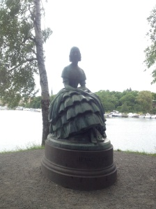 One of the Skansen statues along the river side.