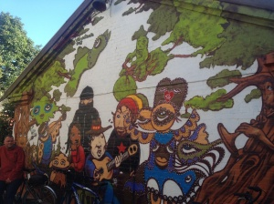 Groovy mural on the side of Esben's shop.