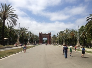 Arc de Triomf and the promenade during the day.
