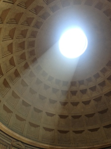 Sunlight pouring through the dome in the roof of the Pantheon.