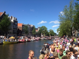 The canal awaiting the parade of boats.