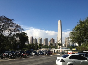 The Obelisk of São Paulo, seen from outside the park.