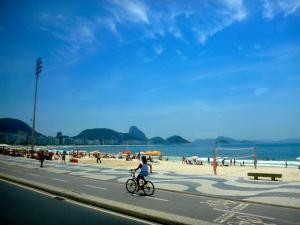 When the sun comes out, Rio de Janerio really does become, in my opinion, one of the most beautiful cities I've ever visited.